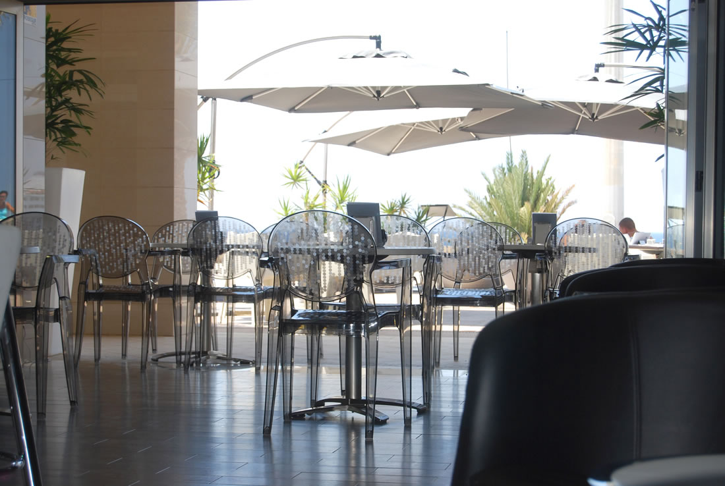 The Moon Bar and Restaurant